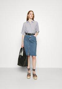 Carin Wester - SKIRT HOUSTON - Denimová sukně - denim blue - 1