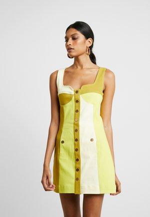 CHELSEA - Denim dress - chartreuse