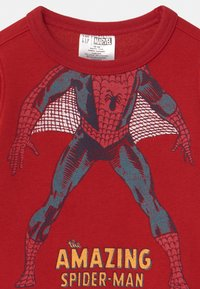 GAP - TODDLER BOY SPIDERMAN  CREW - Sweater - modern red - 2