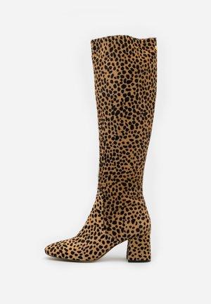 SELENE HIGH BOOT - Laarzen - camel/black