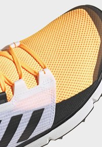 adidas Performance - TERREX SPEED LD TRAIL RUNNING SHOES - Obuwie do biegania Szlak - gold - 8