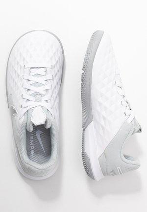 TIEMPO JR LEGEND 8 ACADEMY IC UNISEX - Indoor football boots - white/chrome/pure platinum/metallic silver