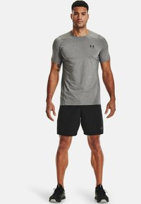 Under Armour - ARMOUR FITTED - T-shirt med print - carbon heather - 1
