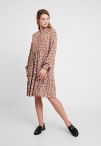 YAS - YASCARLA  - Shirt dress - bombay brown - 0