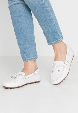 LEELYAN - Moccasins - white