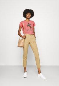 Polo Ralph Lauren - SHORT SLEEVE - T-shirt z nadrukiem - desert rose - 1