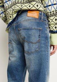 Jack & Jones - JJIMIKE JJORIGINAL  - Jeans straight leg - blue denim - 5