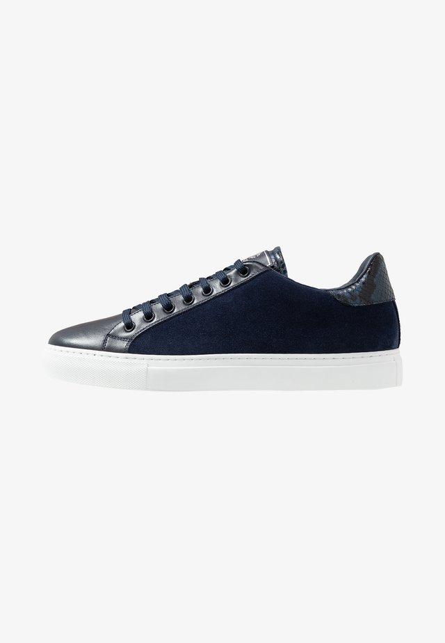 Sneakers laag - stone blu/blu