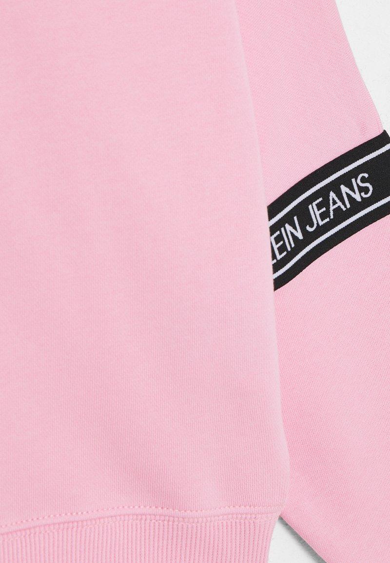 Calvin Klein Jeans - LOGO TAPE  - Mikina - pink