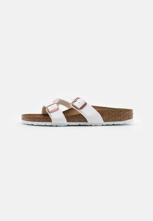 YAO - Slippers - white