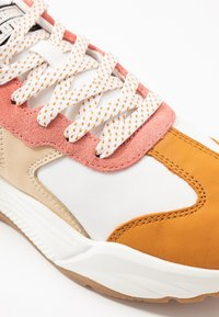 Scotch & Soda - CELEST - Sneakers laag - white/pink/multicolor - 2