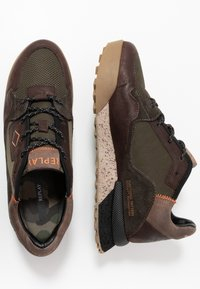 Replay - SANDOVAL - Trainers - green/dark brown - 1