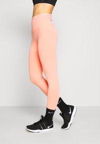 Cotton On Body - 7/8 LEGGINGS - Legginsy - peaches cream wash - 0