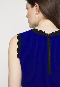 Milly - SCALLOPED COLORBLOCK - Jumper dress - black/azure - 6