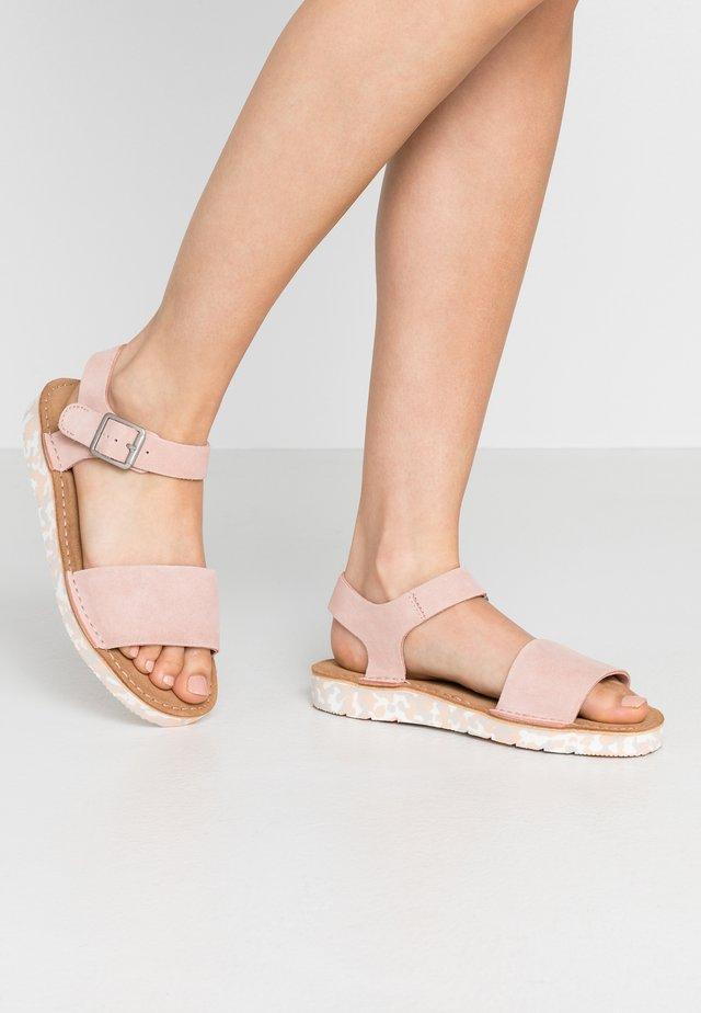 LUNAN STRAP - Sandaalit nilkkaremmillä - light pink