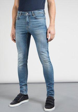 DAMIEN HAGGARD - Jeans Skinny Fit - mid blue