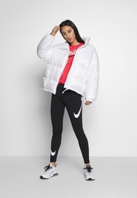 Nike Sportswear - Leggings - black/white