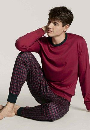 Pyjama set - rumba red