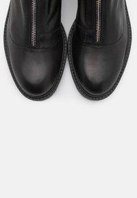 Tata Italia - Kotníkové boty - black - 5