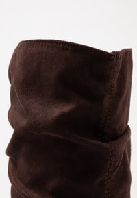Dorothy Perkins - KISS PULL ON BOOT - High heeled boots - chocolate - 2