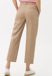 BRAX - STYLE MAINE  - Trousers - brown - 2