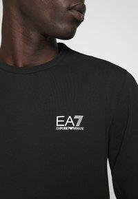 EA7 Emporio Armani - Maglietta a manica lunga - black - 7