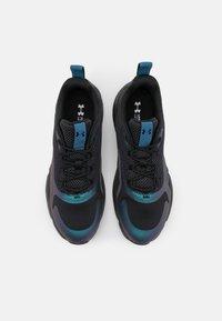Under Armour - CHARGED OIL SLCK - Zapatillas de entrenamiento - blackout purple - 3