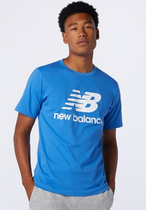 ESSENTIALS STACKED LOGO  - Print T-shirt - faded cobalt