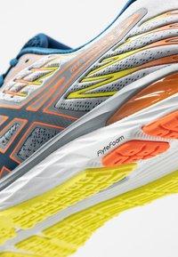 ASICS - GEL-CUMULUS 21 - Neutral running shoes - sheet rock/mako blue - 5