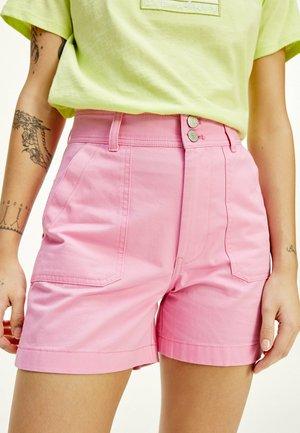 TJW HARPER HIGH RISE - Shorts - pink daisy