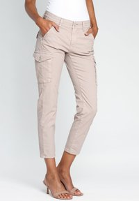 Gang - AMELIE - Cargo trousers - pink - 4