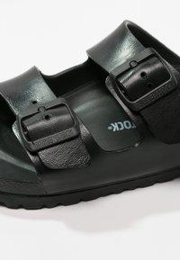 Birkenstock - ARIZONA - Sandały kąpielowe - black - 5