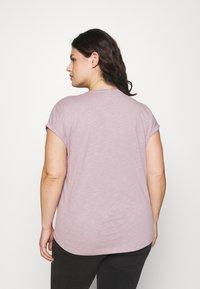 Anna Field Curvy - Basic T-shirt - lilac - 2