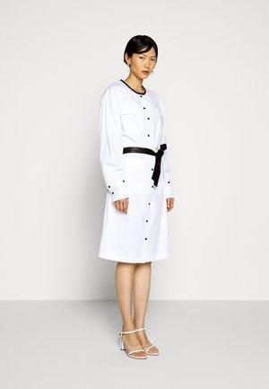 DRESS WITH POCKETS - Košilové šaty - white