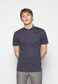 DRYKORN - LOUIS - Basic T-shirt - dark blue - 0