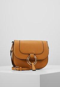 Dorothy Perkins - RING SADDLE - Across body bag - ochre - 0