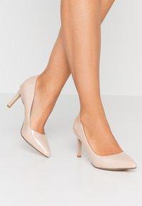 Buffalo - ALIVIA - Classic heels - nude - 0