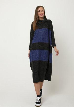 Jumper dress - schwarz   indigo
