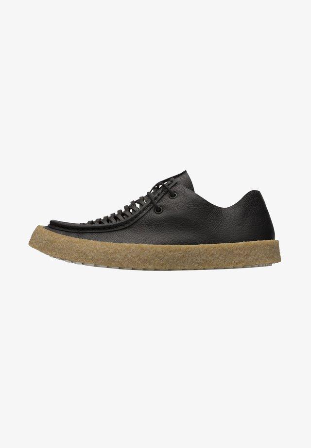 BARK - Zapatos con cordones - schwarz