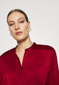 Banana Republic - TUNIC HIGH SLIT - Blouse - mulled cranberry - 3