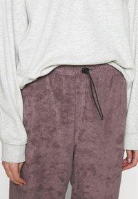 Topshop - LEXIE TOWELLING - Tracksuit bottoms - plum - 4