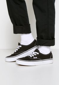 Vans - AUTHENTIC - Tenisky - black/true white - 0