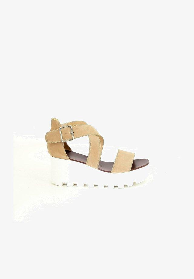 SUBWAY - Sandalen met plateauzool - beige