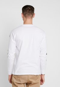Vans - EASY BOX CHECKER - T-shirt à manches longues - white/black - 2