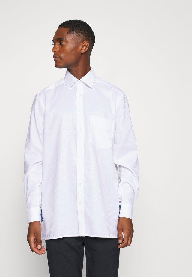 OLYMP LUXOR COMFORT FIT  - Skjorter - weiss