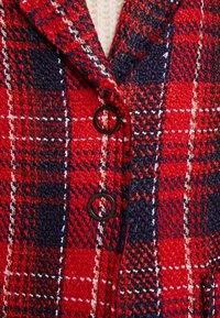 Apart - GLENCHECK COAT - Manteau classique - red/midnightblue/cream - 4