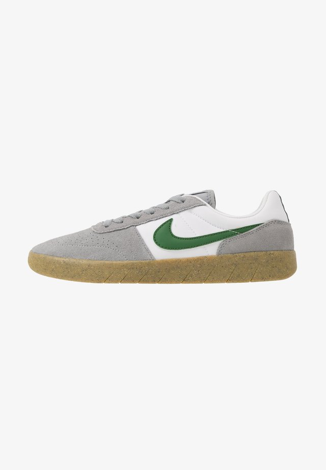 TEAM CLASSIC - Trainers - particle grey/forest green