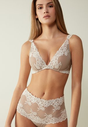 GIORGIA - Balconette bra - powder beige cream white