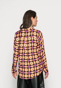 Emily van den Bergh - BLOUSE - Blouse - orange brown lilac geometric - 2
