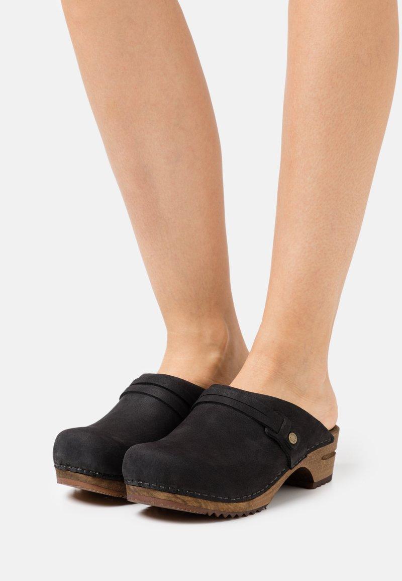 Sanita - URSANA OPEN - Clogs - black